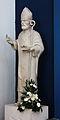 Heiligenfigur in der Kapelle im Hafen von Malinska mit Fuck Finger.JPG