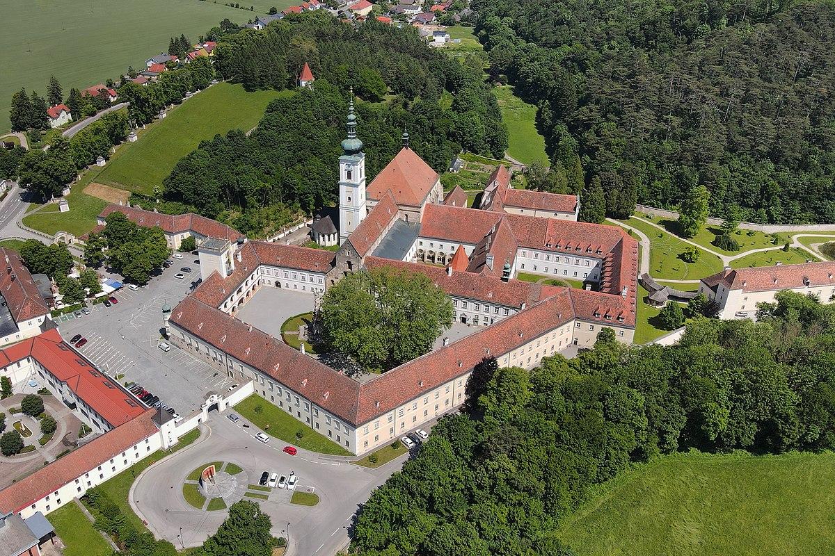 Stift Heiligenkreuz – Wikipedia