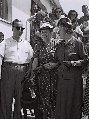 Хелен Келлер в израильской деревне для слепых, 1952 год