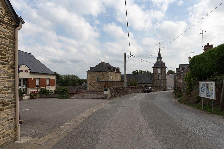 Centre-bourg d'Helléan.