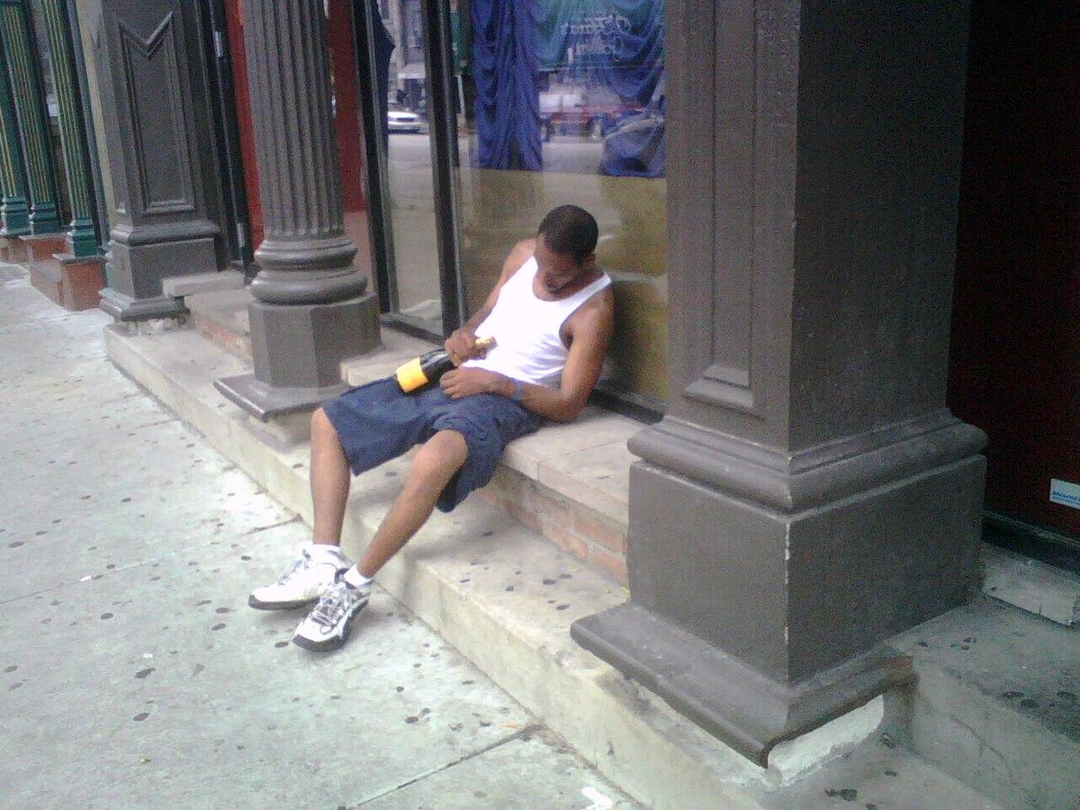 https://upload.wikimedia.org/wikipedia/commons/thumb/4/47/Highbrow_drunkard.jpg/1200px-Highbrow_drunkard.jpg