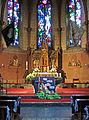 Hilbringen St. Petrus in Ketten Innen Altarraum 02.JPG