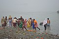 Hindu Devotees Taking Holy Dip In Ganga - Makar Sankranti Observance - Kolkata 2018-01-14 6704.JPG