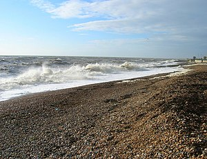 English: Hove Beach Waves crashing into the sh...