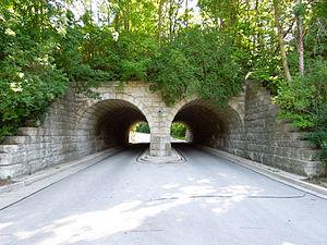 Hubbard Park (Shorewood, Wisconsin) - Image: Hubbard Park vehicle access