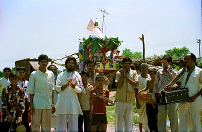 India on the road, Hindu pilgrmage and procession, India 2001.jpg