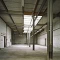 Interieur, overzicht van een ruimte in de fabriekshal - Maastricht - 20385985 - RCE.jpg