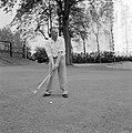 Internationaal golfkampioenschap, O. van Zinnicq Bergmann, Bestanddeelnr 907-2046.jpg