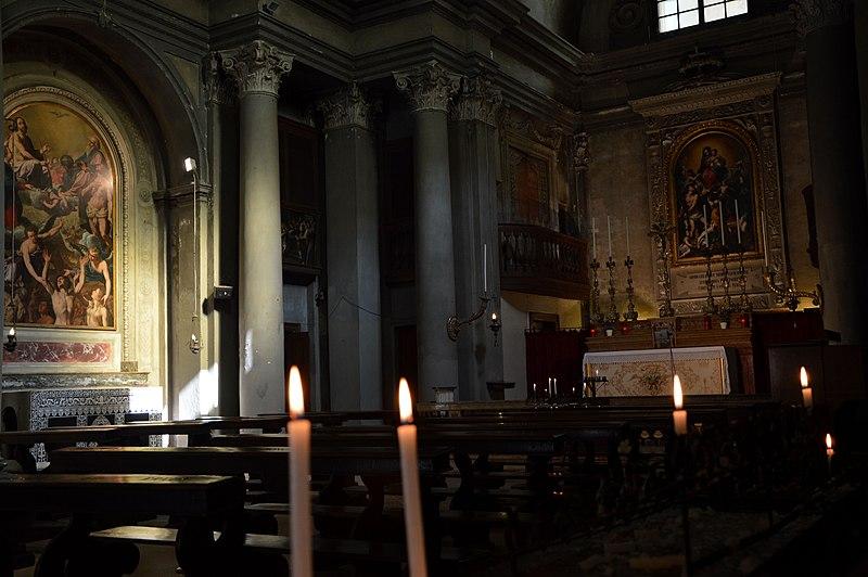 File:Interno della chiesa Santa Maria di Pomposa.jpg