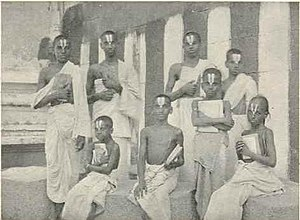 Tanjore District (Madras Presidency) - Vaishnavite Brahmin students at a Gurukulam in Tanjore, c.a. 1909