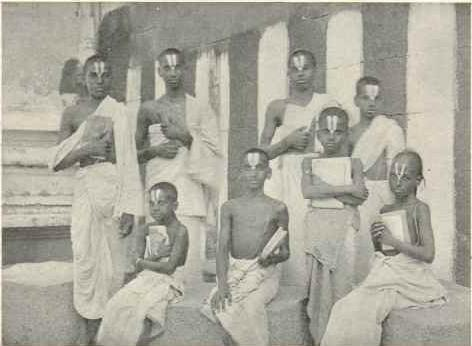 Iyengar Vedic students 1909