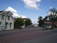 Järnvägsplatsen i Herrljunga, den 18 juni 2006.JPG