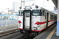 JR Type Kiha40 DC @Aomori station (2982085928).jpg