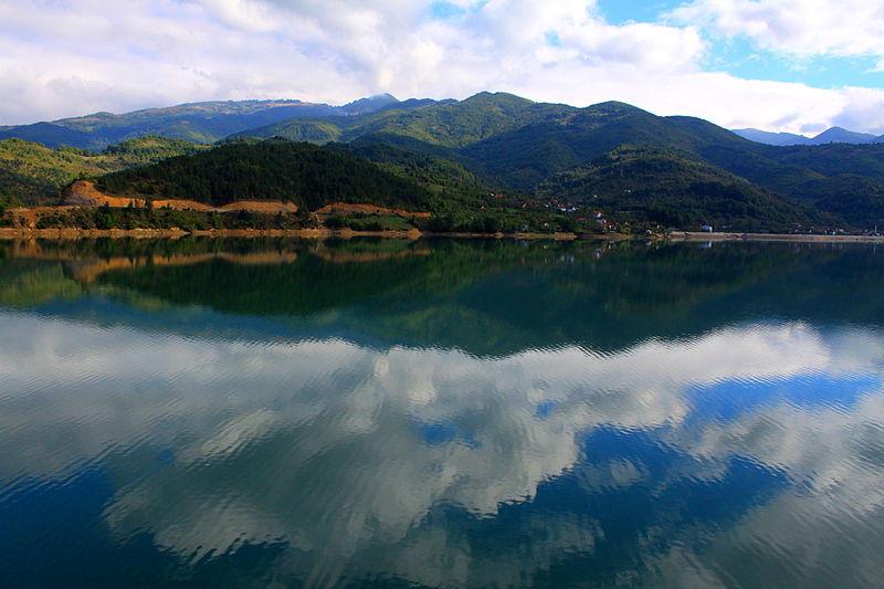 File:Jablanica lake.jpg