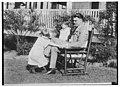 Jack Dempsey (& children) LCCN2014712597.jpg