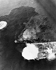 Japanese light cruiser Yahagi under attack by U.S. planes on 7 April 1945 (80-G-316084)
