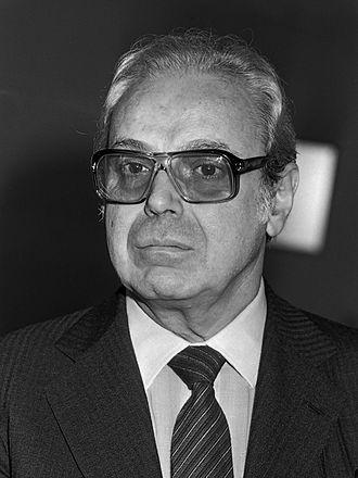 Javier Pérez de Cuéllar - Image: Javier Pérez de Cuéllar (1982)