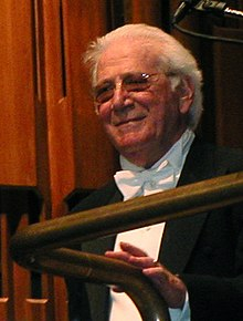 Goldsmith conducts the London Symphony Orchestra, 2003