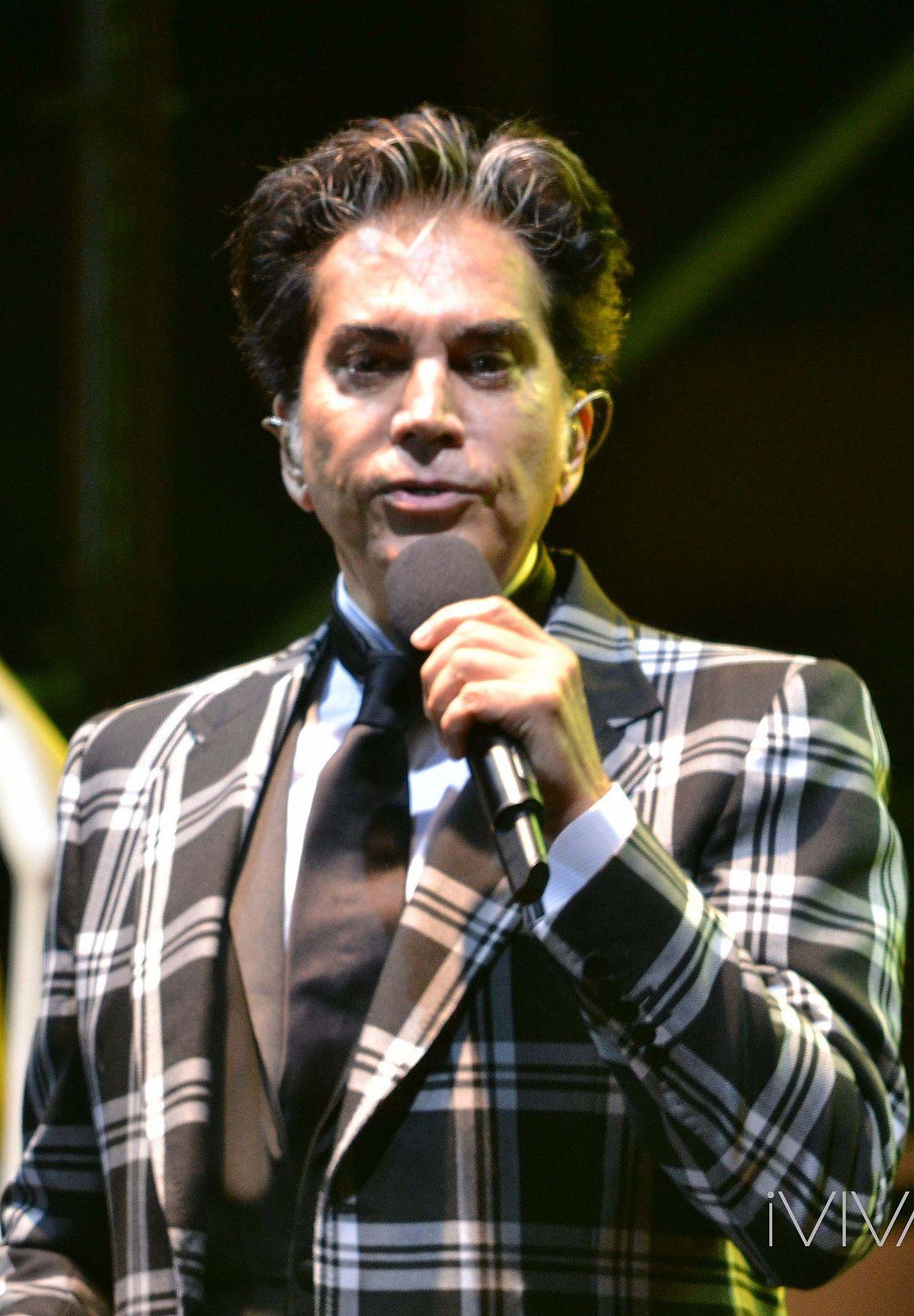 José Luis Rodríguez (singer) - Wikipedia efb5ad30d6997