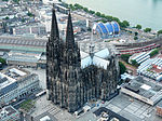 Kölner Dom004 (Flight over Cologne).jpg