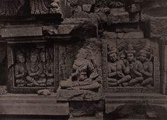 KITLV 155208 - Kassian Céphas - Reliefs on the terrace of the Shiva temple of Prambanan near Yogyakarta - 1889-1890.tif