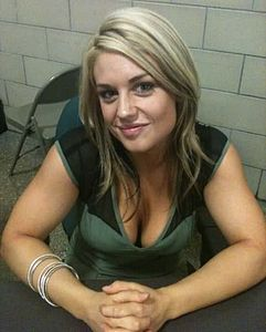 Kaitlyn backstage at Raw in 2012.jpg
