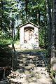 Kapliczka obok cmentarza nr 60 na Magurze Małastowskiej 4.JPG