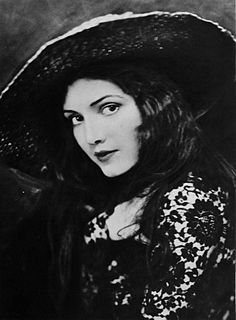 Katherine Perry American actress