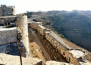 Bailey (castle) - Image: Krak westliche Ringmauern