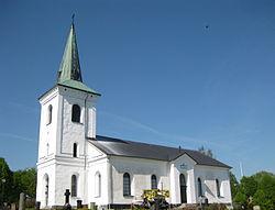 Kverrestads kyrka maj 2012.jpg