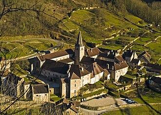 Jura (department) - Image: L'abbaye de Baume les Messieurs
