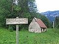 La Fréchette - le Guiers mort (maison et panneau).jpg