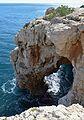 La cova dels Arcs des de dalt.JPG