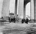La cultura moderna - Milano 1898. Cannoni all'arco di porta Ticinese.jpg