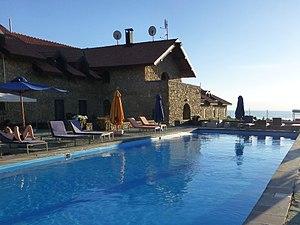 Tsapatagh - Image: Lac Sevan Tufenkian Avan Marak Tsapatagh Hotel (1)
