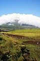 Lagoa do Capitão, a montanha vista da lagoa, Ribeirinha, concelho das Lajes do Pico, ilha do Pico, Açores, Portugal.JPG