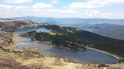 Laguna Larga y Laguna Negra.jpg