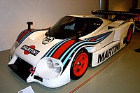 https://upload.wikimedia.org/wikipedia/commons/thumb/4/47/Lancia_LC284.jpg/200px-Lancia_LC284.jpg