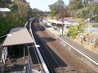 Lapstone railway station - Westbound view from Platform 2 in August 2012