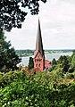 Lauenburg (Elbe), Blick zur Stadtkirche und zur Elbe.jpg