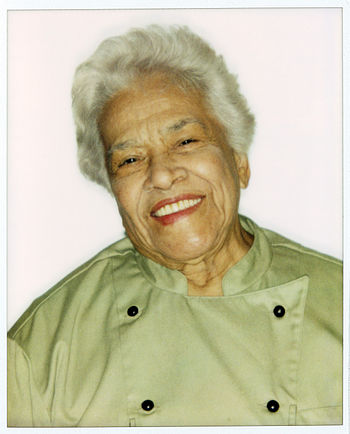 English: Photographic portrait of Leah Chase t...