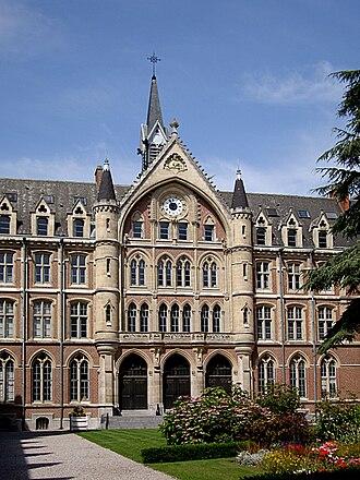 Lille Catholic University - Image: Lille catho entree