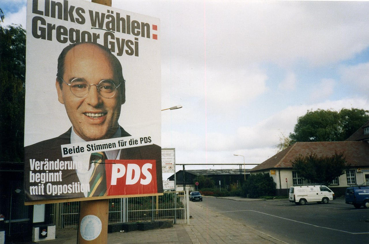 Links Wählen Gregor Gysi - Wahlplakat October 1994.Wismar, Mecklenburg. (6479180377).jpg