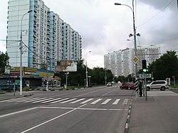 Литовский бульвар на пересечении с ул. Айвазовского. Июнь 2010