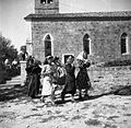 Ljudje gredo od maše, Dekani 1949 (2).jpg