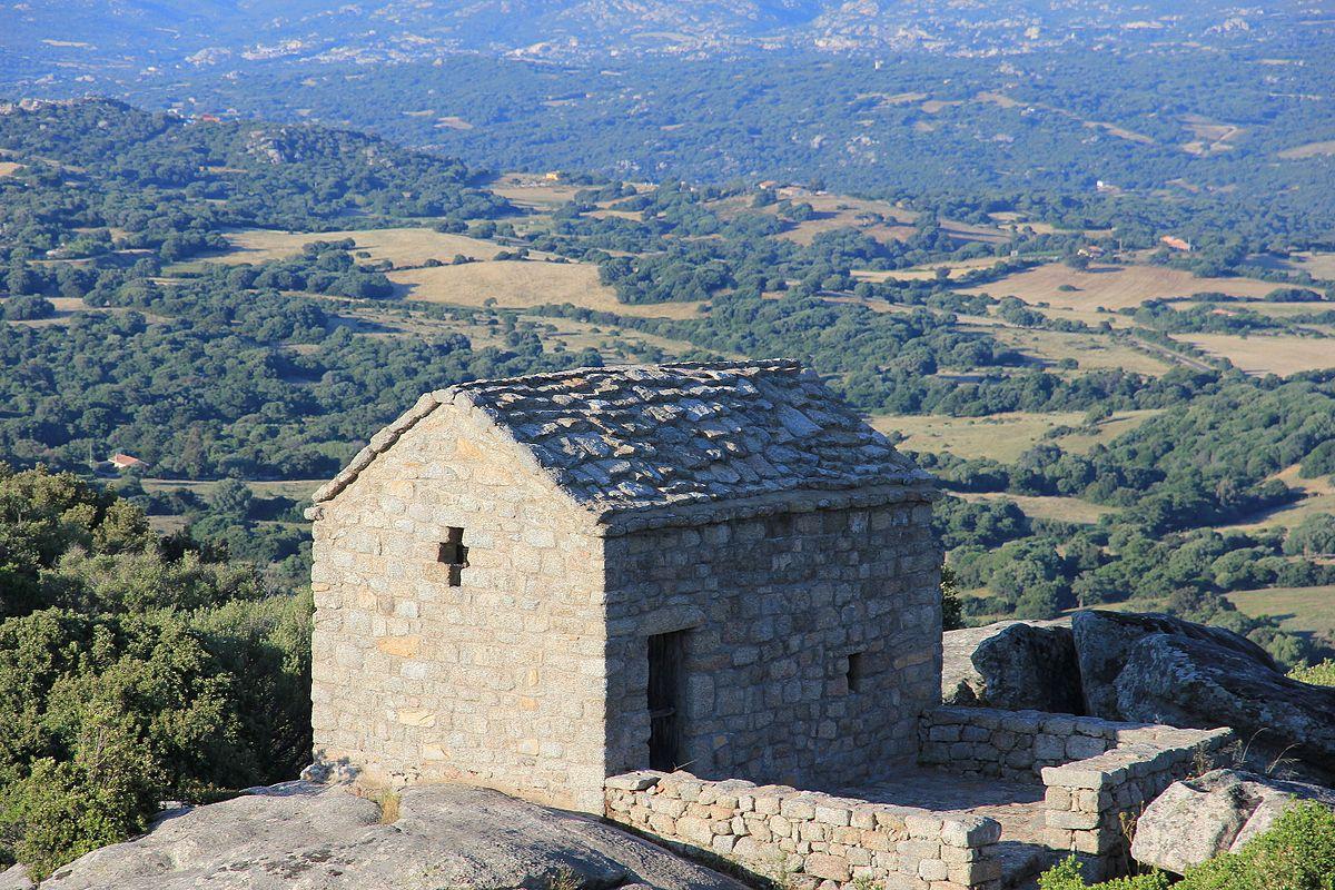 Chiesa di San Leonardo (Luogosanto) - Wikipedia