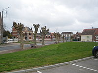 Mœuvres - Grand-Place.JPG