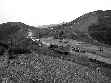 Construction starting in Milnrow, 1968 M62 construction in Milnrow.jpg