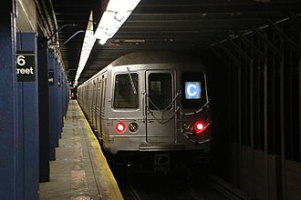 C (New York City Subway service) - 168th Street-bound C train of R46s leaving 86th Street.