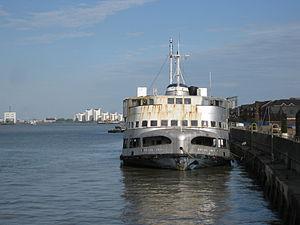 MV Royal Iris - Image: MV Royal Iris moored at Woolwich, London, Sep 2011